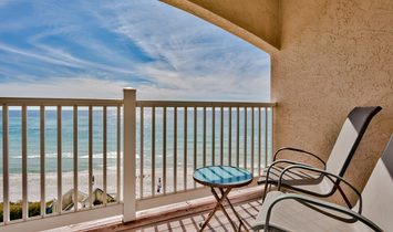 Beautiful And Spacious Beachfront Condo In Seacrest With Pool