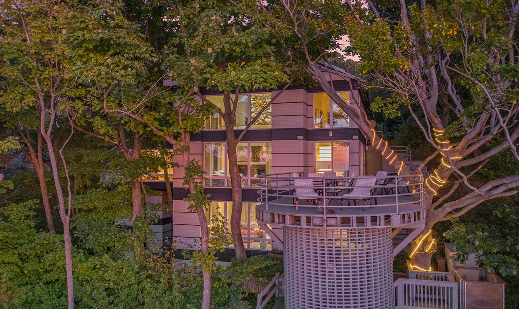 Exclusive And Contemporary Wilderness Dunes Home