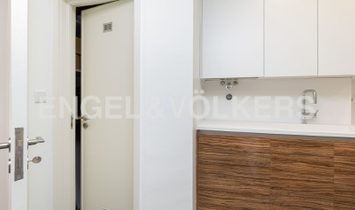 Three bedroom apartment fully refurbished