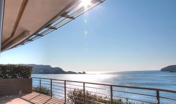 2-bedroom apartment with stunning sea view in Dukley Gardens