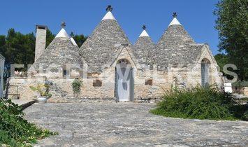 Casa di campagna a Ceglie Messapica, Puglia, Italia 1