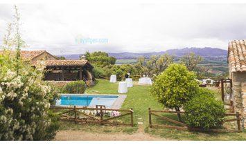 Awesome C12 Masia in Vilafranca del Penedes. 10 bedrooms 10 bathrooms Views to Monmtserrat. can do w