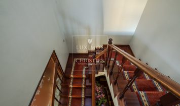 Sale of villa with garden and balconies, Foz do Douro, Portugal