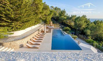 Luxury Villa with private pool & stunnig view of Ibiza