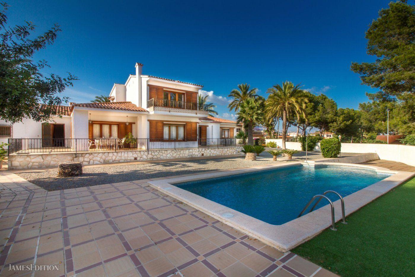 Villa in L'Alfàs del Pi, Valencian Community, Spain 1