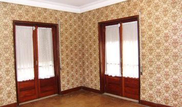 5 bedrooms Remains for Sale
