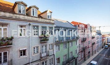 3+1 bedroom refurbished apartment - São Bento, Lisbon