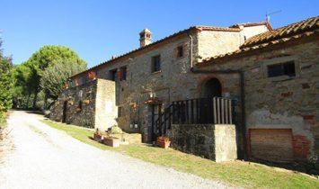 Country House in Tuoro sul Trasimeno, Umbria, Italy 1