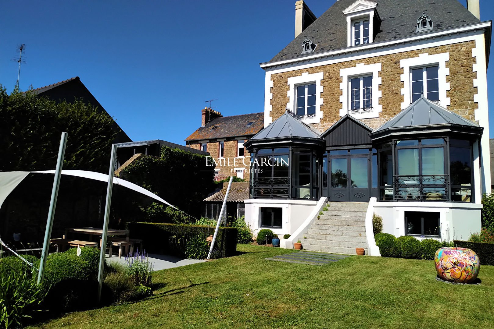 19th Century House With Walled Garden For Sale In The In Saint