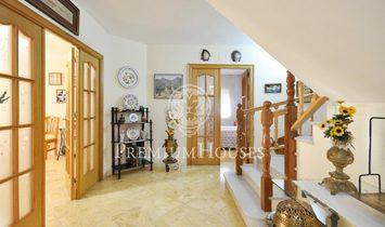 Argentona Villa