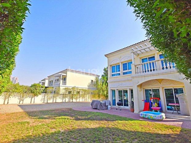 Villa in Jumeirah Village, Dubai, United Arab Emirates 1