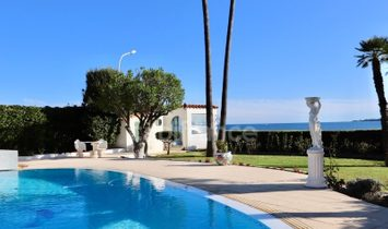 Dpt Alpes Maritimes (06), for sale CANNES manor house facing the sea