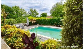 Dpt Pyrénées Atlantiques (64), à vendre SAINT JEAN DE lUZ maison P9 de 390 m² - Terrain de 2436 m²