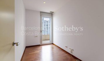 Excellent Opportunity On The Seafront In Diagonal Mar Area