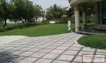 Villa / House for rent in Emirates Hills Dubai