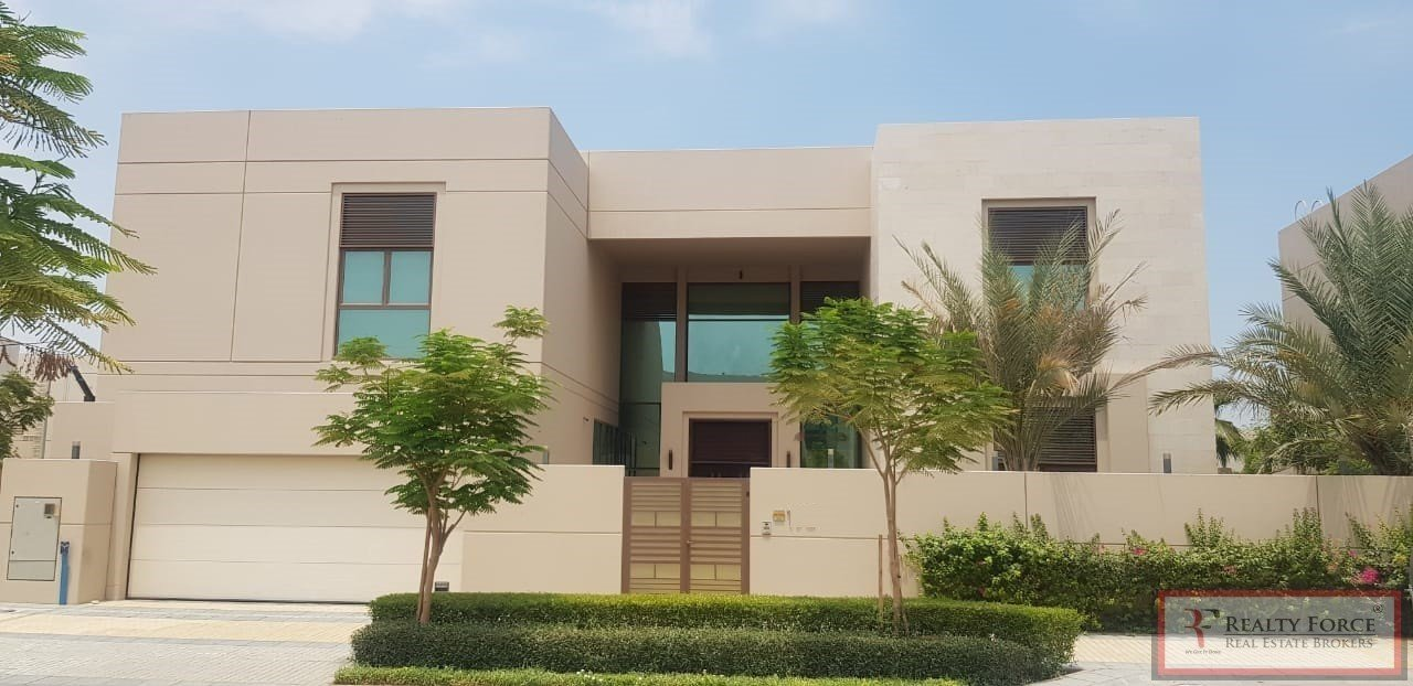 House in Nad Al Sheba, Dubai, United Arab Emirates 1