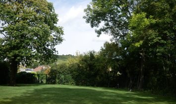 Villa with gorgeous views of the vineyards, 19th district of Vienna.