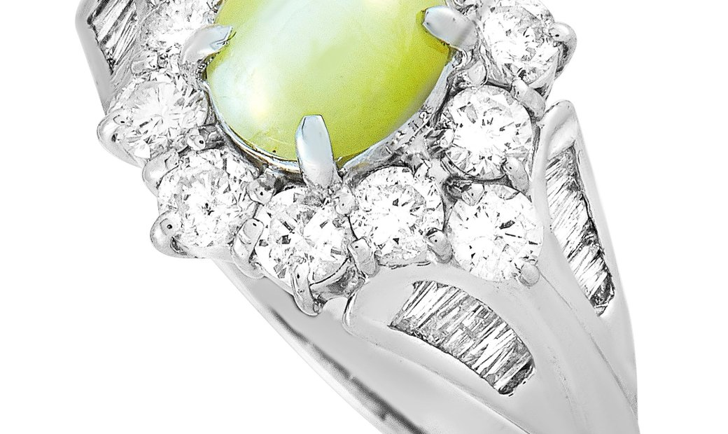 LB Exclusive LB Exclusive Platinum 1.10 ct Diamond and Cat's Eye Ring