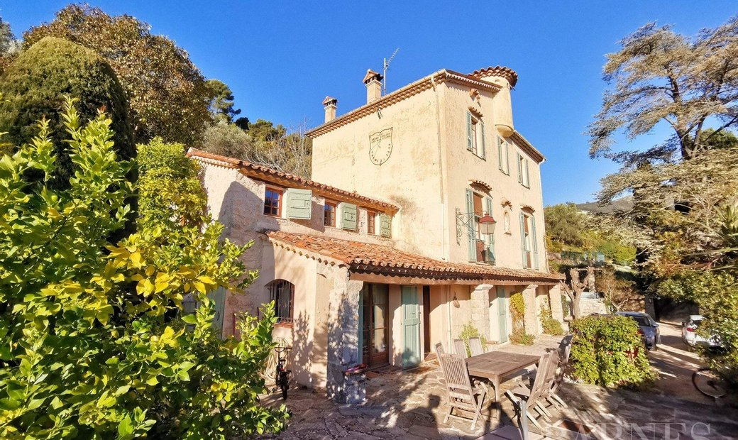 Sale - House Grasse (Saint-François)