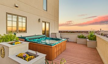 Penthouse Style On The San Antonio Riverwalk