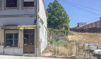 Building  for sell in Porto