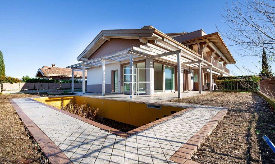 Bella villa di testa con piscina privata