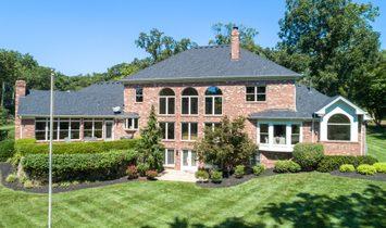 Exceptional Custom Built Home In Ladue