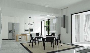Villa fronte lago con progetto approvato