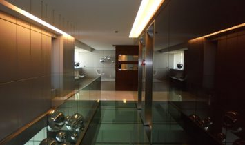 4 bedroom apartment with 279 m2, in Restelo, with swimming pool and gym.