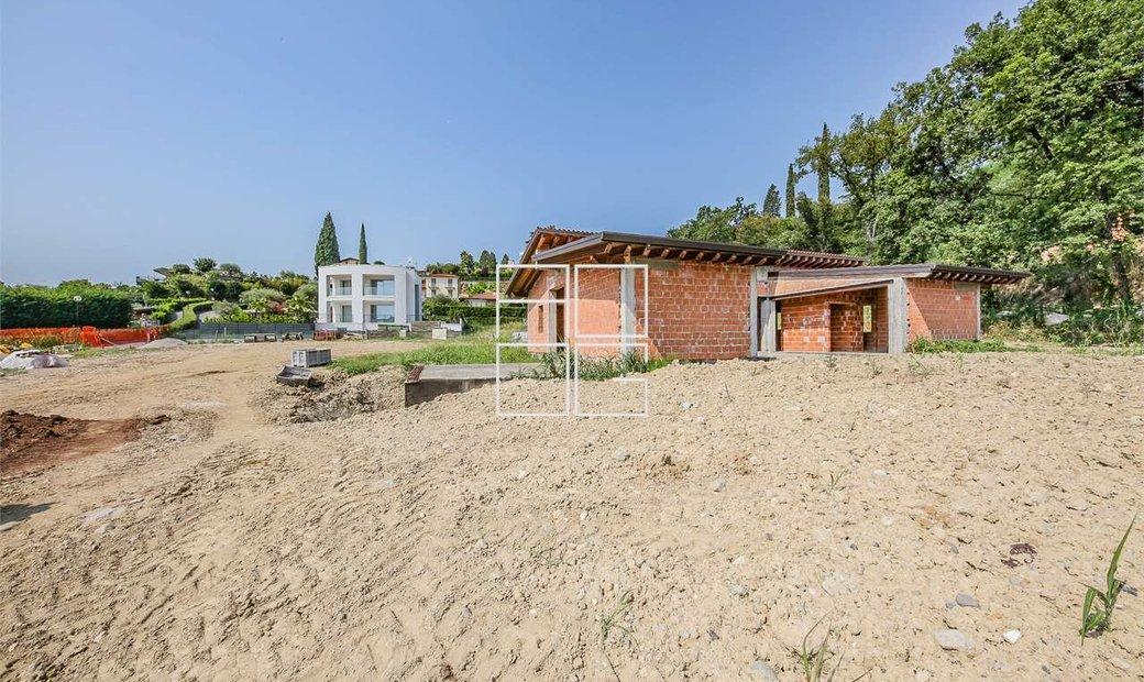 Villa singola di Design da ultimare