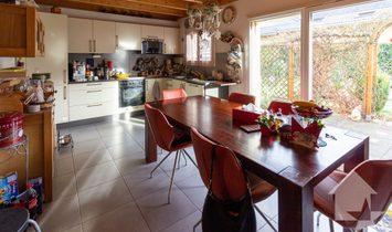 Belle villa contiguë  de 6 pces de 153 m2 avec terrasse et pelouse
