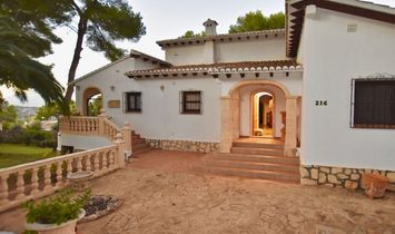 Excellent Traditional Villa for Sale with Sea Views in Tossalet - Javea