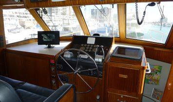 Hatteras 70 Motor Yacht