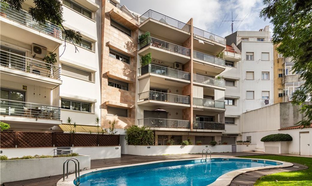 Condo/Apartment - T4 - For Sale - Arroios, Lisbon