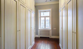 5 Room Apartment. Pokrovka 19