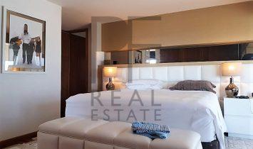 Estoril. Villa modern design. Large glazed surfaces. Sea view