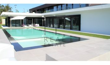 Very exclusive contemporary Villa. Stunning views to the sea.