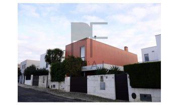 4 bedroom villa with pool in Aldeia do Juzo – Cascais