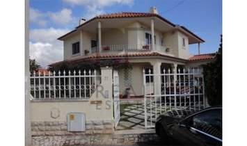 Residences in Birre