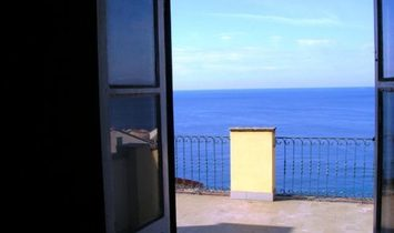 CAMOGLI CENTER penthouse with livable terrace and beautiful sea view
