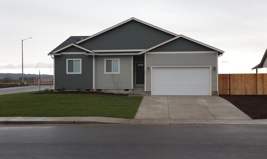 MultiFamily for sale in Sublimity
