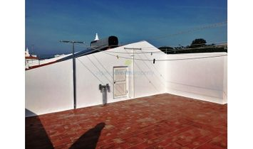 Building with touristic exploration permit in prime area of Albufeira.