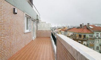 3 bedroom apartment located between Saldanha and Marquês de Pombal