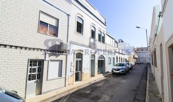 Astonishing house in the heart of the cosy Fuzeta village with a breathtaking fantastic top terrace!