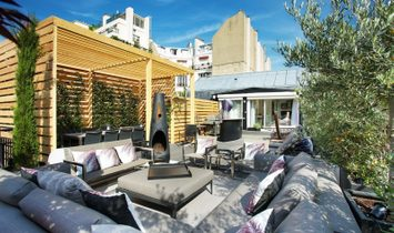 Paris 16th District – A sunny 3-bed duplex apartment with a superb terrace