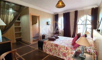 Très jolie Villa / Riad construite au sein d'un parc arboré par un paysagiste