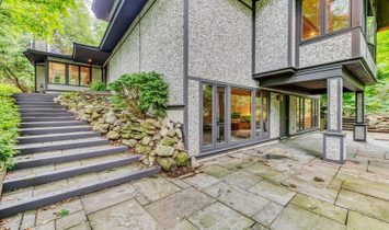 6 Bayberry Drive