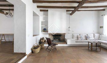 Sant Pere de Ribes House / Villa