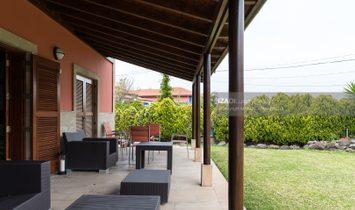 Chalet con amplio jardín y piscina en Bandama