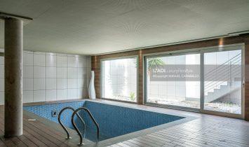 Chalet vanguardista en La Garita con piscina climatizada
